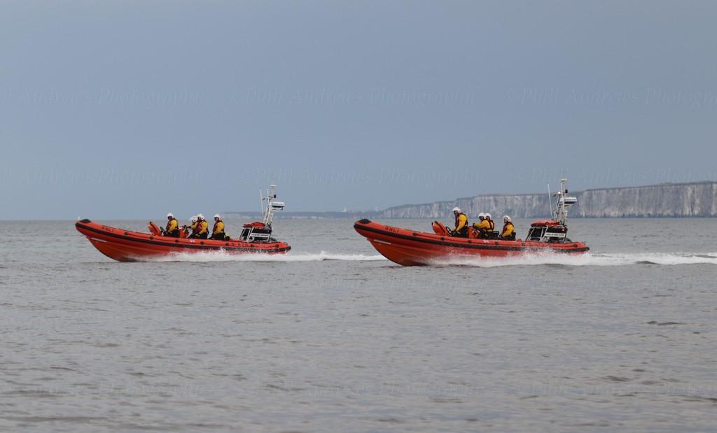 Filey Lifeboat (Pride of Fred Olsen B-913) 28-7-2021 (83).jpg