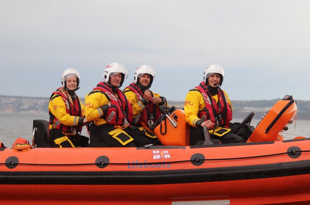 Filey Lifeboat (Pride of Fred Olsen B-913) 28-7-2021 (103).jpg