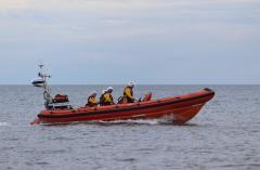 Filey Lifeboat (Pride of Fred Olsen B-913) 28-7-2021 (53).jpg
