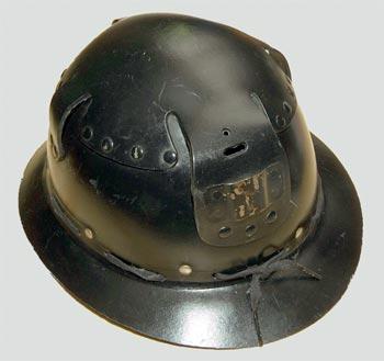 Thetford-paper-mill-pulpware-miners-helmet.jpg.f1fa21e070c1fbae1b59be72c0f2094d.jpg